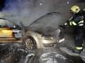 Ve čtvrtek lehla popelem v Družci škodovka, řidiče odvezla záchranka (Foto: HZS Středočeského kraje)