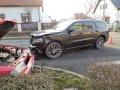Při srážce dvou vozidel se v Unhošti zranili oba řidiči, jeden vážně (Foto: KL)