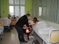 Pejsek Bárt potěšil dětské pacienty v kladenské nemocnici (Foto: Hana Senohrábková)