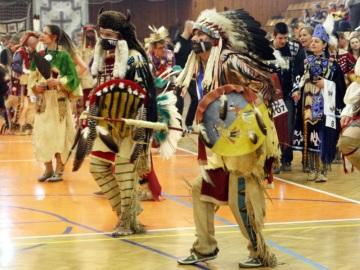 Indiáni roztančí kladenskou sportovní halu