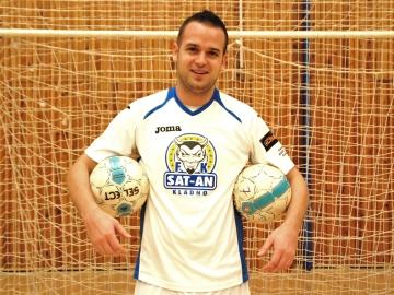 Třikrát vystřelil na branku a dvakrát trefil gól. Tomáš Fitzel penalty umí. (Foto: KL)