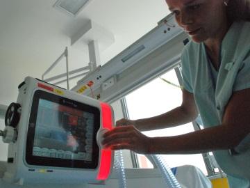 Transportní ventilátor pro pacienty v bezvědomí je unikát sám o sobě (Foto: KL)