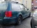 Vandal má v Rozdělově na svědomí pneumatiky několika aut (Foto: KL)