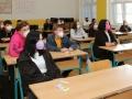 Studenti se vrátili do lavic kladenské školy E. Beneše (Foto: Magdalena Koryntová)