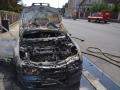 Požár zcela zničil starší osobní automobil v Kladně (Foto: HZS Středočeského kraje)