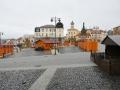 Na kladenském náměstí Starosty Pavla vzniká venkovní kluziště (Foto: Michal Moravec MMK)