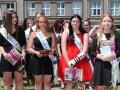 Na škole E. Beneše jsou maturitní vysvědčení a výuční listy předány (Foto: Magdalena Koryntová)