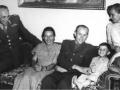 Syn Jaroslav vzpomínal na svého otce jako na člověka, který měl rád život. Na snímku při návštěvě Emila a Dany Zátopkových (Foto: Archív rodiny Selnerovy)