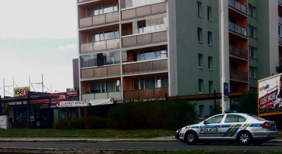 Na ulici ČSA v Kladně došlo k loupežnému přepadení (Foto  Kamil Záhradník) c81a6db70f