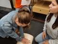 Žáci kladenské zdravotnické školy ošetřovali raněné (Foto: Václav Vondrovský)
