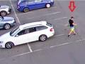 Pomozte odhalit zloděje, který u kladenského akvaparku ukradl kolo (Foto: PČR)